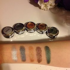 Look at how pigmented the @nyxcosmetics prismatic eyeshadows are! I'm in ❤️with the colors I got. I hope I can find the rest of the collection! #nyxcosmetics #prismaticeyeshadows #bbloggers #beautyblog #beautyblogger #swatches