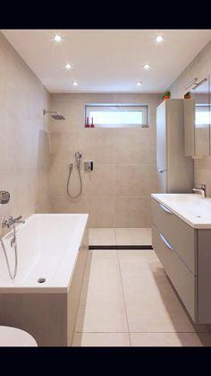 Badkamer met keramische tegel