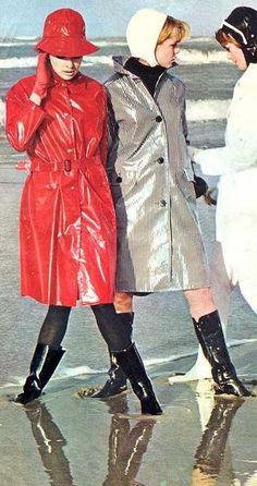 Pink Raincoat, Raincoat Jacket, Hooded Raincoat, Missoni, 1960s Fashion, Vintage Fashion, Parka, Imper Pvc, Model Magazine