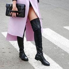 Make great strides in Le Silla lace-up flat boots in rocking black leather. https://www.lesilla.com/60/?qs=i6214 #lesilla #likeaglove