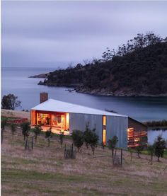 Shearers Quarters House is a minimalist property designed by John Wardle Architects, located on a working sheep farm in Bruny Island, Tasmania, Australia. Nature Architecture, Architecture Design, World Architecture Festival, Sustainable Architecture, Residential Architecture, Amazing Architecture, Farmhouse Architecture, Installation Architecture, Pavilion Architecture