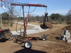 Homemade triple axis crane used for hauling out marine boat engines and moving rocks. Metal Projects, Welding Projects, Tools And Equipment, Heavy Equipment, Logging Equipment, Moving Rocks, Homemade Tractor, Crane Lift, Crane Boom