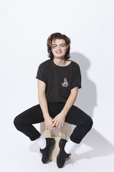 the first and original site for all things Joe Keery Stranger Things Joe Keery, Stranger Things Netflix, Joe Kerry, Guys My Age, Beautiful Joe, Steve Harrington, Babe, Celebs, Celebrities