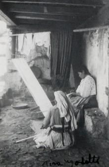 Tina Modotti Due indie tessendo 1926