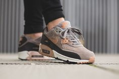 The Nike Air Max 90 is rendered in classic tones for its newest rendition this season. Listed for women's find it at Nike stores overseas.