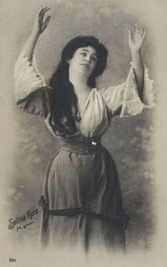 Selma Kurz:  An 1895 photograph of soprano Selma Kurz as 'Mignon'.  She was born in Austria on 15th Oct 1874 and died there on 10th May 1933.  She made her début in the role of 'Mignon' in Ambroise Thomas's opera of that name on 12th May 1895 at the Stadttheater, Hamburg.