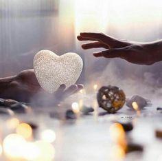 ليتهم يعلمون أنّ نقاء القلب ليس غباء إنما فطرة يميز الله بها من يريد
