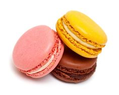 Recipe: Delicious Macarons With Raspberry Buttercream Filling