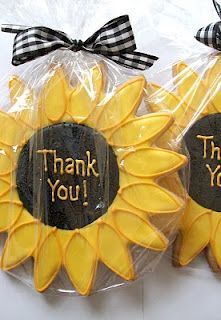 very cute sunflower cookies for wedding favors