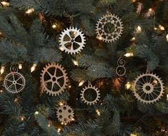Fans of steampunk can have a lot of fun creating a steampunk Christmas tree or decorating their home with steampunk holiday decorations. Christmas Ornament Sets, Diy Christmas Ornaments, Handmade Christmas, White Ornaments, Rustic Christmas, Christmas Stocking, Xmas Tree, Christmas Christmas, Ideas Decoracion Navidad