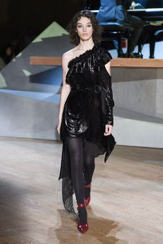#SelfPortrait  #fashion  #Koshchenets Self-Portrait Fall 2017 Ready-to-Wear Collection Photos - Vogue