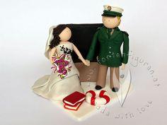 Lehrerin liebt Polizisten Brautpaar von www.tortenfiguren.at - Police & Teacher Weddingcaketopper