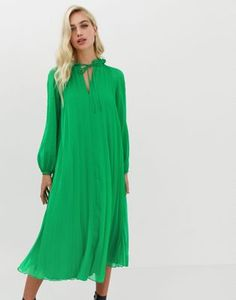 Buy ASOS DESIGN pleated trapeze midi dress with tie neck at ASOS. With free delivery and return options (Ts&Cs apply), online shopping has never been so easy. Get the latest trends with ASOS now. Tux Dress, Midi Shirt Dress, Maxi Wrap Dress, Swing Dress, Asos, Robes Midi, Chiffon, Pleated Maxi, Going Out Dresses