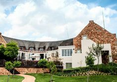 Can you truly leave the stress of Joburg behind less than an hour from the city? Brendan Seery finds out. North West, South Africa, Southern, Stress, Mansions, House Styles, Couples, City, Travel