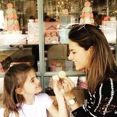 Sugar and Spice ✨ and everything nice ... That's what little girls are made of  #motheranddaughter #paris