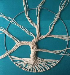 How to make a macrame tree of life wall hanging , art crafts to celebrate Summer Macrame Wall Hanging Diy, Macrame Art, Macrame Projects, Craft Projects, Macrame Knots, How To Macrame, Weaving Wall Hanging, Hanging Art, Wall Hangings