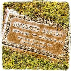 Nicolette Larson, Forest Lawn Hollywood Hills