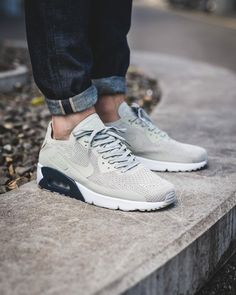 Nike Air Max 90 x Ultra Flyknit Adidas Running Shoes, Nike Free Shoes, Nike Shoes, Mens Fashion Shoes, Fashion Boots, Sneakers Fashion, Fashion Fashion, Fashion Trends, Hypebeast