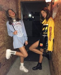 Then & Now: Sama and Haya Khadra's Style Evolution Fashion Killa, Look Fashion, 90s Fashion, Fashion Outfits, Womens Fashion, Fashion Bags, Simi Haze, Mode Punk, Looks Party