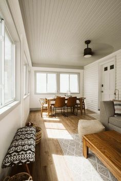 From light blue to earthy green to blush pink, putting an unexpected shade on the ceiling can really make a big difference. Scroll on for 10 paint colors that we think are worth considering. #hunkerhome #ceilingpaintcolor #ceilingcolorideas #ceilingcolor Sunroom Decorating, Sunroom Ideas, Three Season Room, Four Seasons Room, White Ceiling, Colored Ceiling, Sunroom Windows, White Wall Paint, Off White Walls