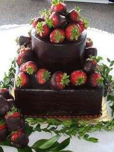If that outside was dark chocolate with anything but a chocolate inside... oh my goodness dream cake o.o