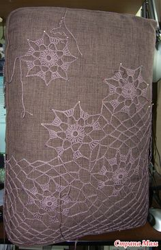 """Ажурная кофточка """" Осенняя пора.. очей очарованье!"""" - Вяжем вместе он-лайн - Страна Мам Burlap, Ottoman, Reusable Tote Bags, Throw Pillows, Home Decor, Crochet Blouse, White Tunic, Ornaments, Blouses"""