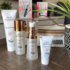 Age reversist line is amazing for wrinkles and reverse time! Farmasi Cosmetics, Keratin, Eye Cream, Body Butter, Tea Tree, Instagram Accounts, Makeup Addict, Serum, Moisturizer