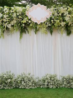 Outdoor Photography Background Beautiful White and Green Backdrop Flowers Arrangement Over White Fabric for Wedding Ceremony Stage Photo Studio Shooting Prop 5×7 ft 5189