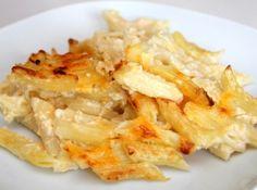 Rakott sajtos tészta recept: Ez egy amerikai recept. A legfinomabb rakott, sült kétsajtos tészta receptem! :) Ha nincs kéznél dheddar, trappista is megteszi!