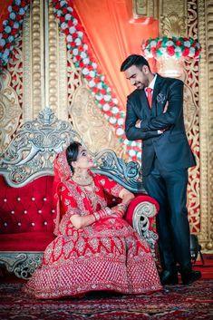 Indian Wedding Pictures, Indian Wedding Poses, Indian Bridal Photos, Wedding Picture Poses, Indian Bridal Outfits, Indian Engagement, Indian Bride Photography Poses, Indian Wedding Couple Photography, Mehendi Photography
