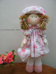 Boneca Russa tem em média 50 cm de altura.  Nome no coração a sua escolha. Diy Crafts For Gifts, Crafts To Make And Sell, Diy Bed Frame, Clay Baby, Diy Furniture Projects, Cute Toys, Sewing Toys, Fabric Dolls, Knitting