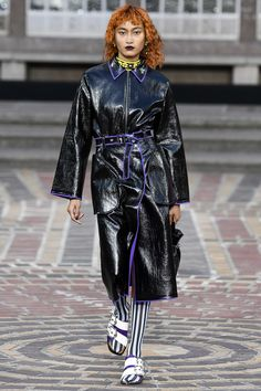 See the complete Kenzo Spring 2018 Ready-to-Wear  collection.