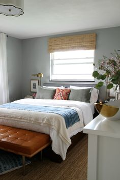 Benjamin Moore halfmoon crest for master bedroom paint color, neither brown nor blue Best Bedroom Colors, Bedroom Paint Colors, Bedroom Color Schemes, Basement Master Bedroom, Basement Guest Rooms, Basement Ideas, Blinds And Curtains Living Room, Bedroom Curtains, Fabric Blinds