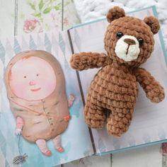 crochet toys and dolls ki tarif bir arada. rg hayvan yapmnda sevimli bir amigurumi ay tarifi ve amigurumi tavan tarifi. Teddy Bear Crafts, Teddy Bear Party, Pet Toys, Doll Toys, Kids Toys, Crochet Bear, Crochet Dolls, Crochet Toys Patterns, Stuffed Toys Patterns