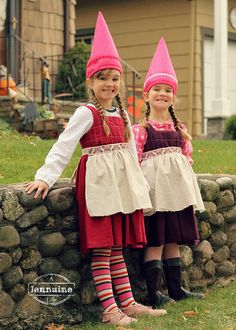 Happy Gnome Halloween Costumes - A Jennuine Life Happy Gnome 3 Halloween Costume Contest, Family Halloween Costumes, Halloween Fancy Dress, Halloween Kids, Halloween Stuff, Vintage Halloween, Halloween Makeup, Baby Gnome Costume, Carnival