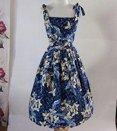 Killer 1950's Hawaiian dress by PIKAKE of Hawaii by wearitagain