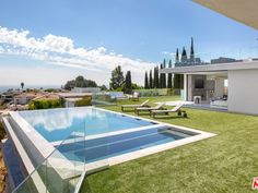 2110 Hercules Dr, Los Angeles, CA 90046 | Zillow Modern Modular Homes, Modern Contemporary Homes, Modern Style Homes, Modern Bungalow, Modern Luxury, Modern Minimalist House, Small Modern Home, Hollywood Hills Homes, Modern Mansion