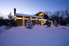 Abbot Design presents a portfolio of custom modern home design projects as well as custom interior design projects in Collingwood & Toronto Custom Home Designs, Custom Homes, Modern House Design, Design Projects, Toronto, Presents, Cabin, The Originals, Interior Design