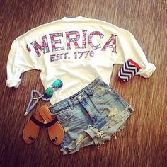 Cute outfit perfect for The 4th of July :)