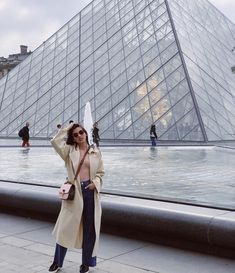Best Travel Looks of the Month - Star Style PH Spring Outfits Japan, Japan Spring, Autumn In Korea, Korea Winter, Travel Ootd, Airport Style, Airport Fashion, Star Fashion, Travel Pictures