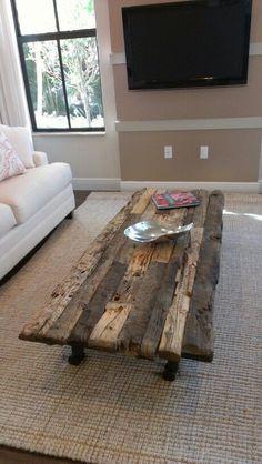 RUSTIC TABLE #woodenrusticfurniture