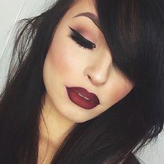Those deep red lips.