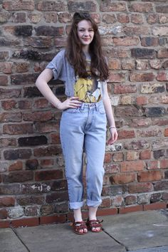 Mom jeans outfits on Pinterest | Mom Jeans, Tartan Scarf and High ...