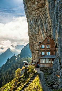 How would you like to live here