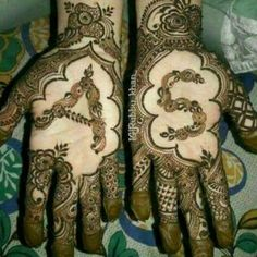 Latest Simple and Easy Mehandi Design Mehandi Design for Wedding - Fashion Mehndi Designs For Girls, Modern Mehndi Designs, Mehndi Designs For Fingers, Wedding Mehndi Designs, Mehndi Design Pictures, Mehndi Images, Henna Tattoo Designs, S Love Images, Mehndi Desighn