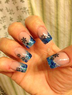 Holiday acrylic nails winter