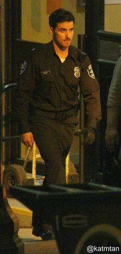 Where is this from and why does he have one glove? If Hook's a policeman I'll die from his sexiness and that's a fact