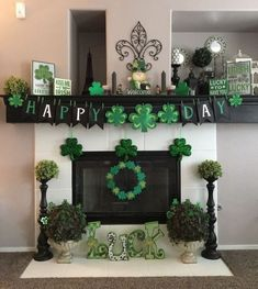 Go inexperienced with these St Patrick's Day decor concepts. From festive wreaths to shamrock decorations, there are many DIY St. Patrick's Day decorations right here that can assist you to plan the proper St. Patrick's day occasion. St. Patricks Day, Saint Patricks, Diy St Patricks Day Decor, St Patrick's Day Decorations, St Patrick Decorations, St Paddys Day, Luck Of The Irish, Diy Décoration, St Pattys