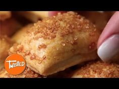 Ice Cube Apple Pies - The Best Video Recipes for All Baked Pie Crust, Pie Crust Recipes, Apple Pie Recipes, Sweet Recipes, Best Apple Pie, Mini Apple Pies, Mini Pies, Ready Made Pie Crust, Pie Pops