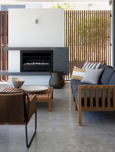 In/Out - Arent: Vaucluse House